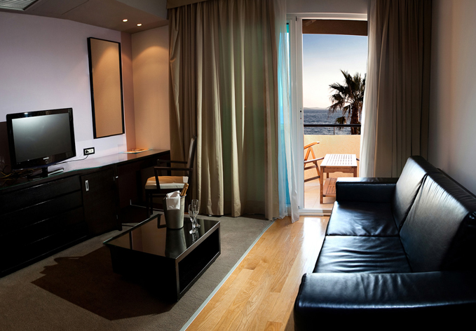 SelectBox_hotel_san_antonio_podstrana_hrvatska_679x472px.jpg